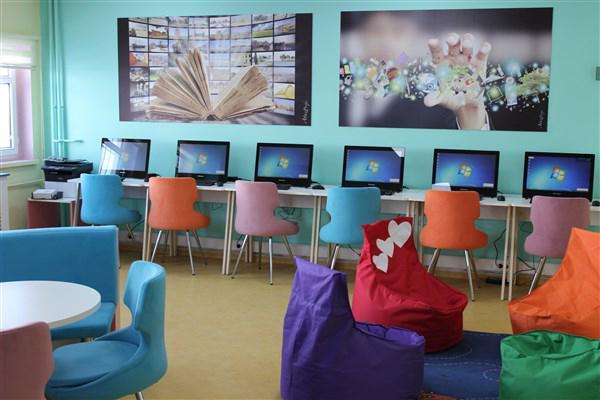 Çelebi Ortaokulunda Z Kütüphane açıldı