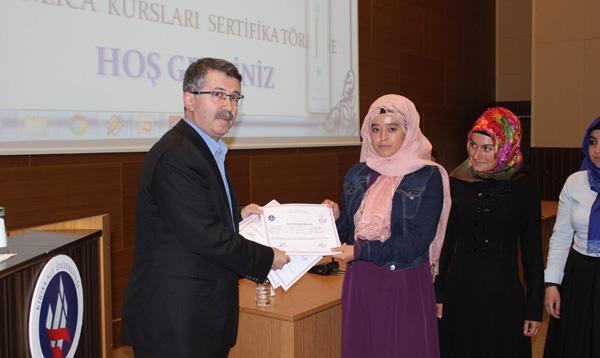 Bin 927 kişi sertifika aldı