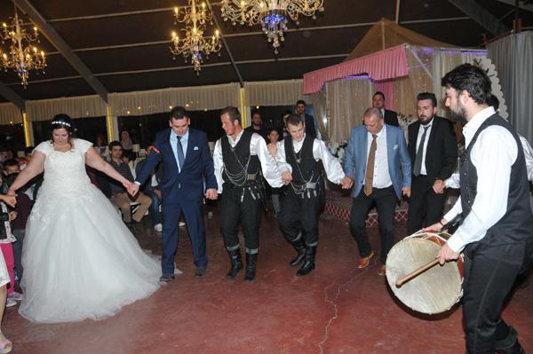 Hollandalı geline Türk düğünü