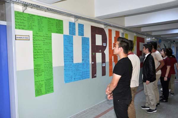 Okul koridorları eğitime destek sağlıyor