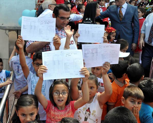 50 bin 284 öğrenci karne aldı