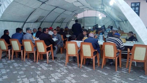 Karakeçili'de iftar çadırı açıldı