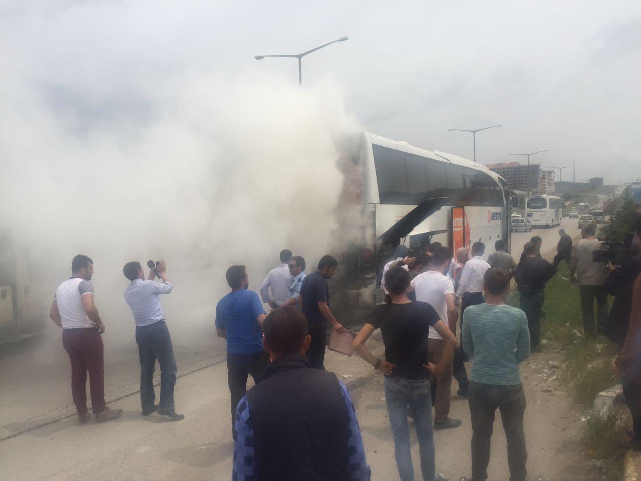 Yolcu otobüsünde yangın çıktı