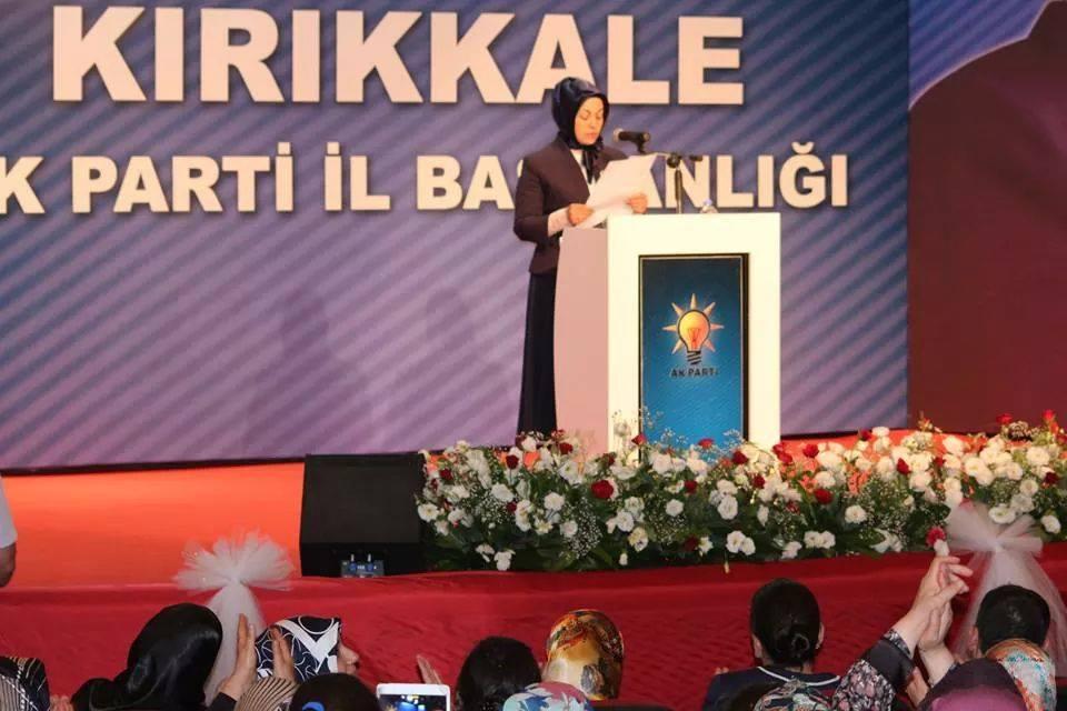AK Parti Kadın Kolları Başkanı Görevden Alındı