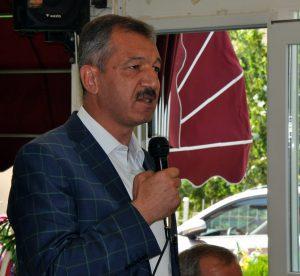 AK Parti Kırıkkale Milletvekilleri Ramazan Can, Abdullah Öztürk ve Mehmet Demir gündeme ilişkin basın toplantısı düzenledi. Milletvekili Öztürk, konuşma yaptı. ( Zekeriya Karadavut - Anadolu Ajansı )