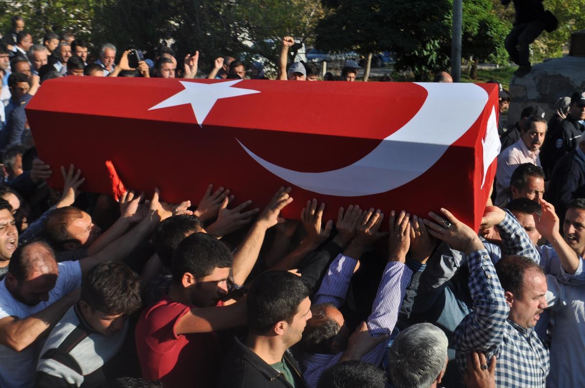 Garnizon Komutanı Niğde'de Şehit Cenazesine Katıldı