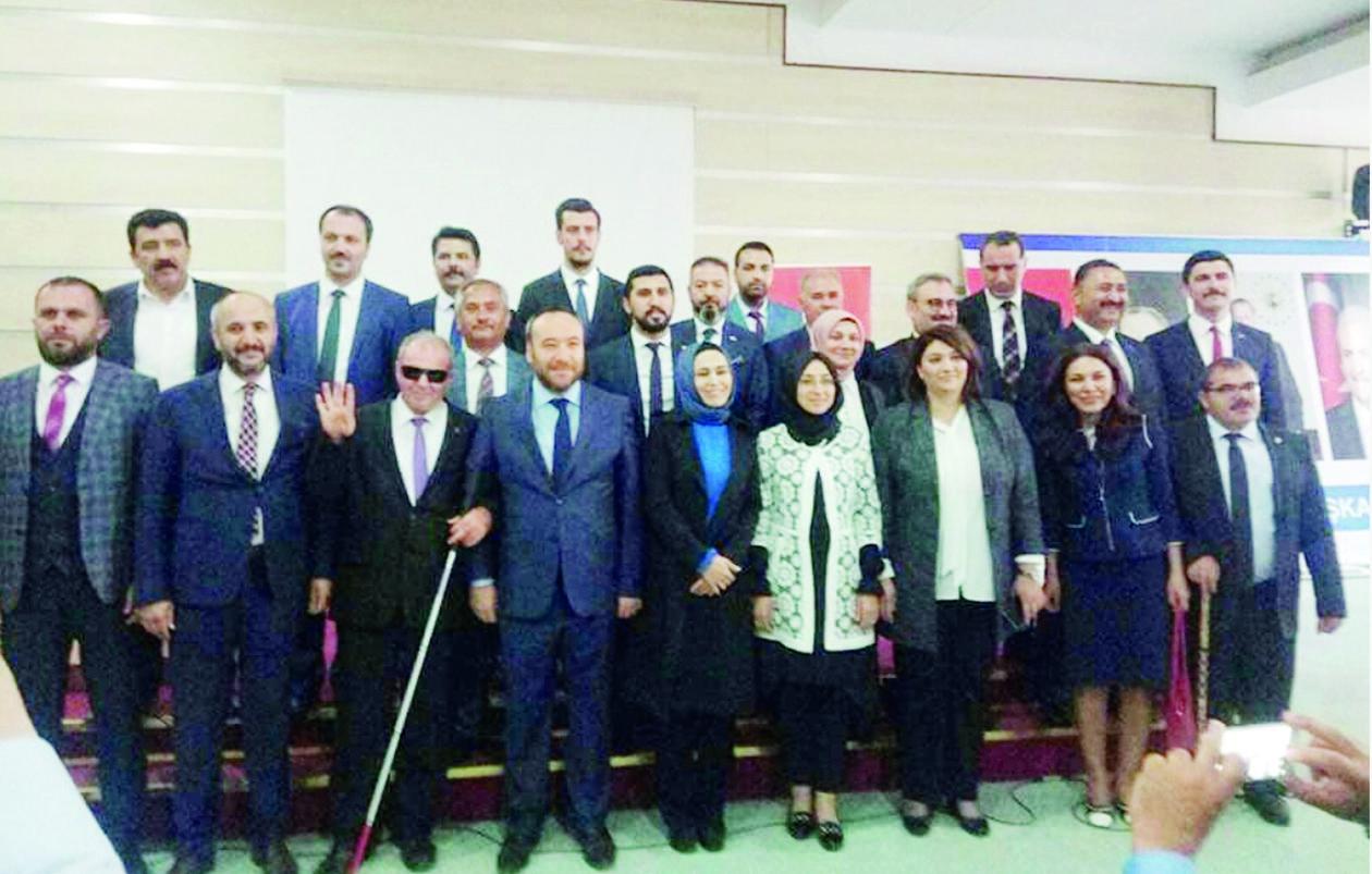 AK Partili aday adayları temayülden geçti 1 - AK Partili aday adayları temayülden geçti