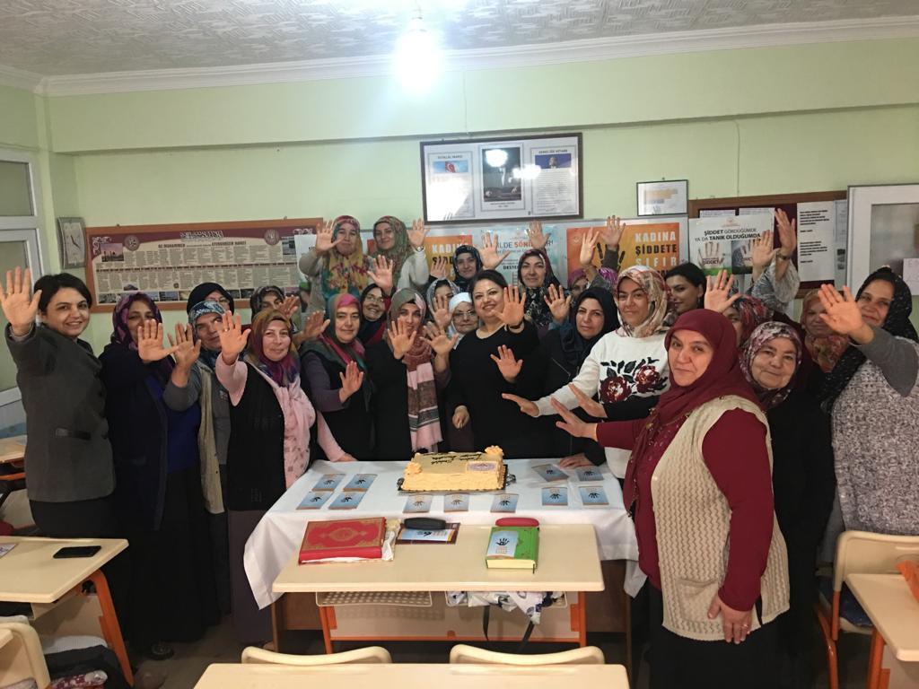 Kadına Yönelik Şiddete Karşı Uluslararası Mücadele Günü dolayısıyla Kırıkkale Aile, Çalışma ve Sosyal Hizmetler İl Müdürlüğü tarafından çeşitli etkinlikler düzenlendi.