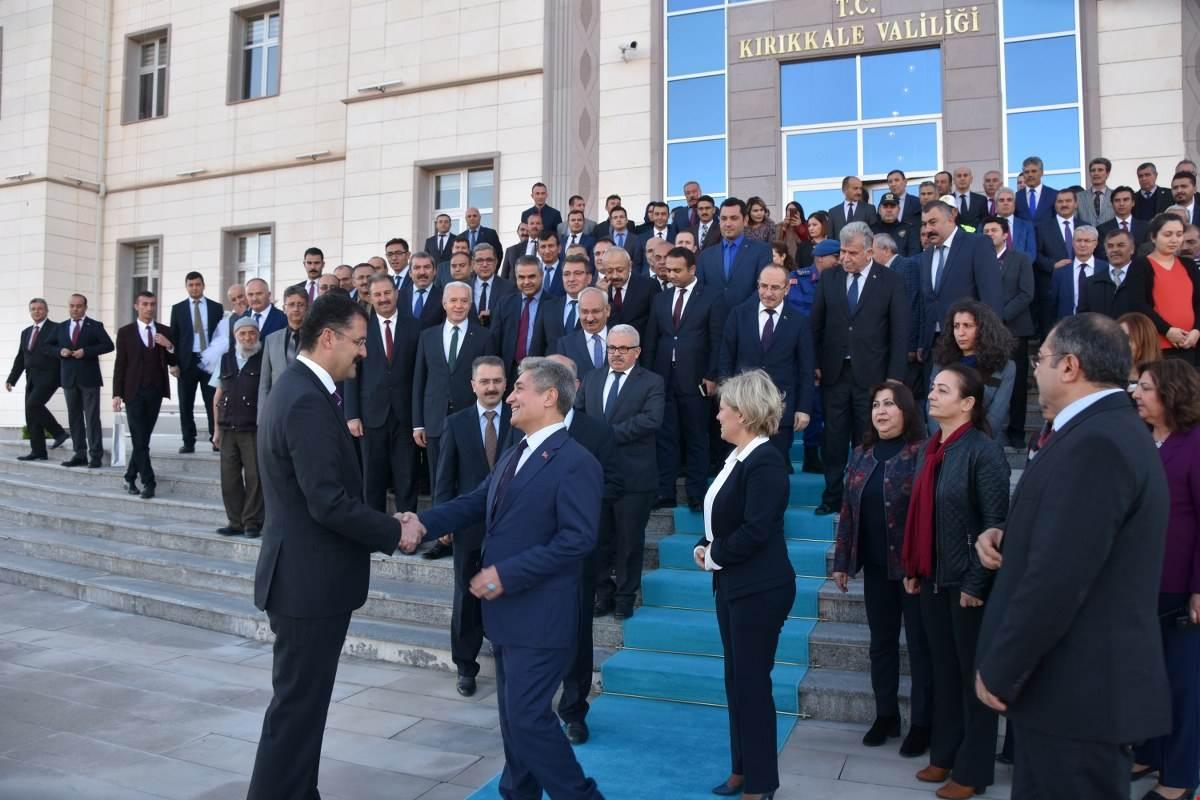 UĞURLAMA 2 - 'Gönüllerin Valisi' İlker Haktankaçmaz Kırıkkale'den Ayrıldı