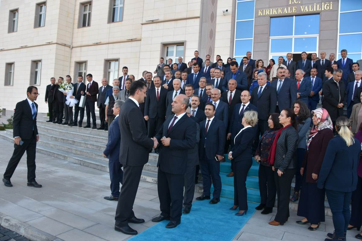 UĞURLAMA 3 - 'Gönüllerin Valisi' İlker Haktankaçmaz Kırıkkale'den Ayrıldı