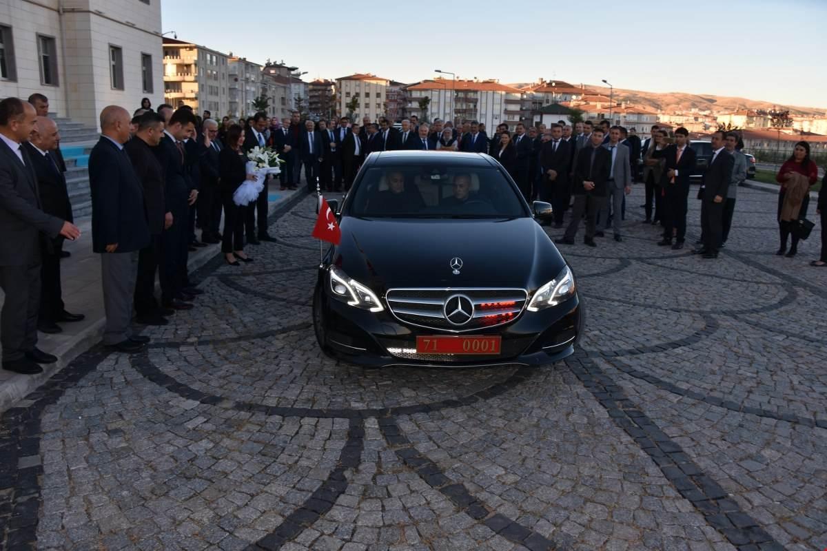 UĞURLAMA 8 - 'Gönüllerin Valisi' İlker Haktankaçmaz Kırıkkale'den Ayrıldı