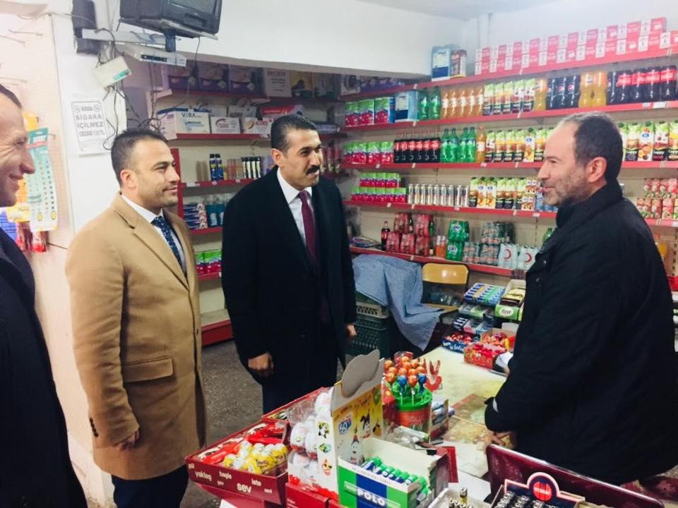 Milliyetçi Hareket Partisi Kırıkkale Belediye Başkan Adayı Serdar Yarar Ankara Caddesinde esnaf ziyaretinde bulundu.