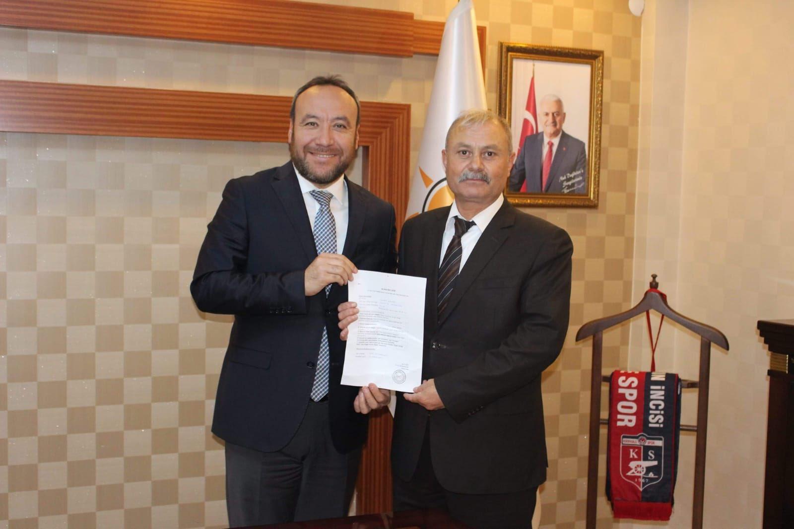 Kenan Kacar Bahşılı Belediye Başkan Aday Adaylığı İçin Ak Parti'den Başvurusunu Yaptı