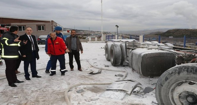 Kırıkkale Organize Sanayi Bölgesindeki tıbbi gaz dolum tesisinde dolum yapılan tankerde meydana gelen patlamada 1 kişi öldü, 2 kişi yaralandı.