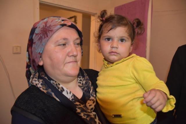 Kırıkkale'de akli dengesi bozuk olduğu iddia edilen teyzesi tarafından 5. katın balkonundan aşağıya atılan 1 buçuk yaşındaki Zümra Işık, hayata tutundu.