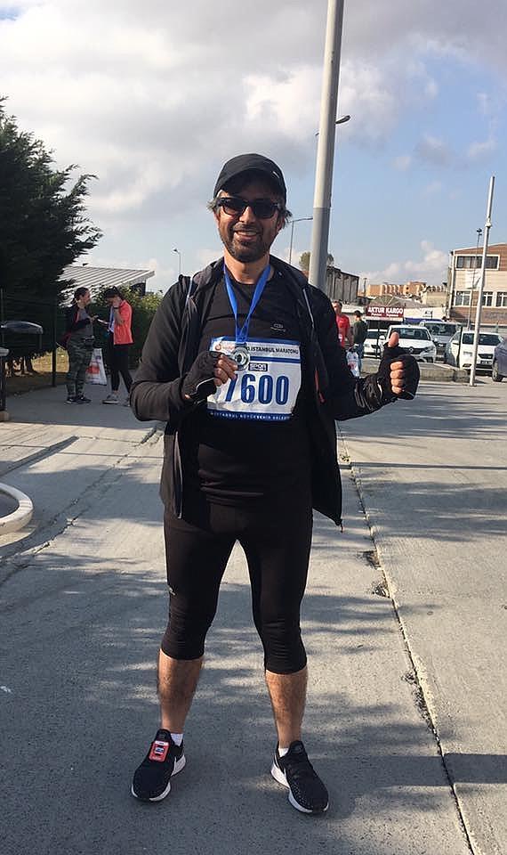 Kırıkkale Milli Eğitim Müdürü Yusuf Tüfekçi, İstanbul'da katıldığı maraton yarışları sonrasında kıtalar arası atlet unvanı aldı.