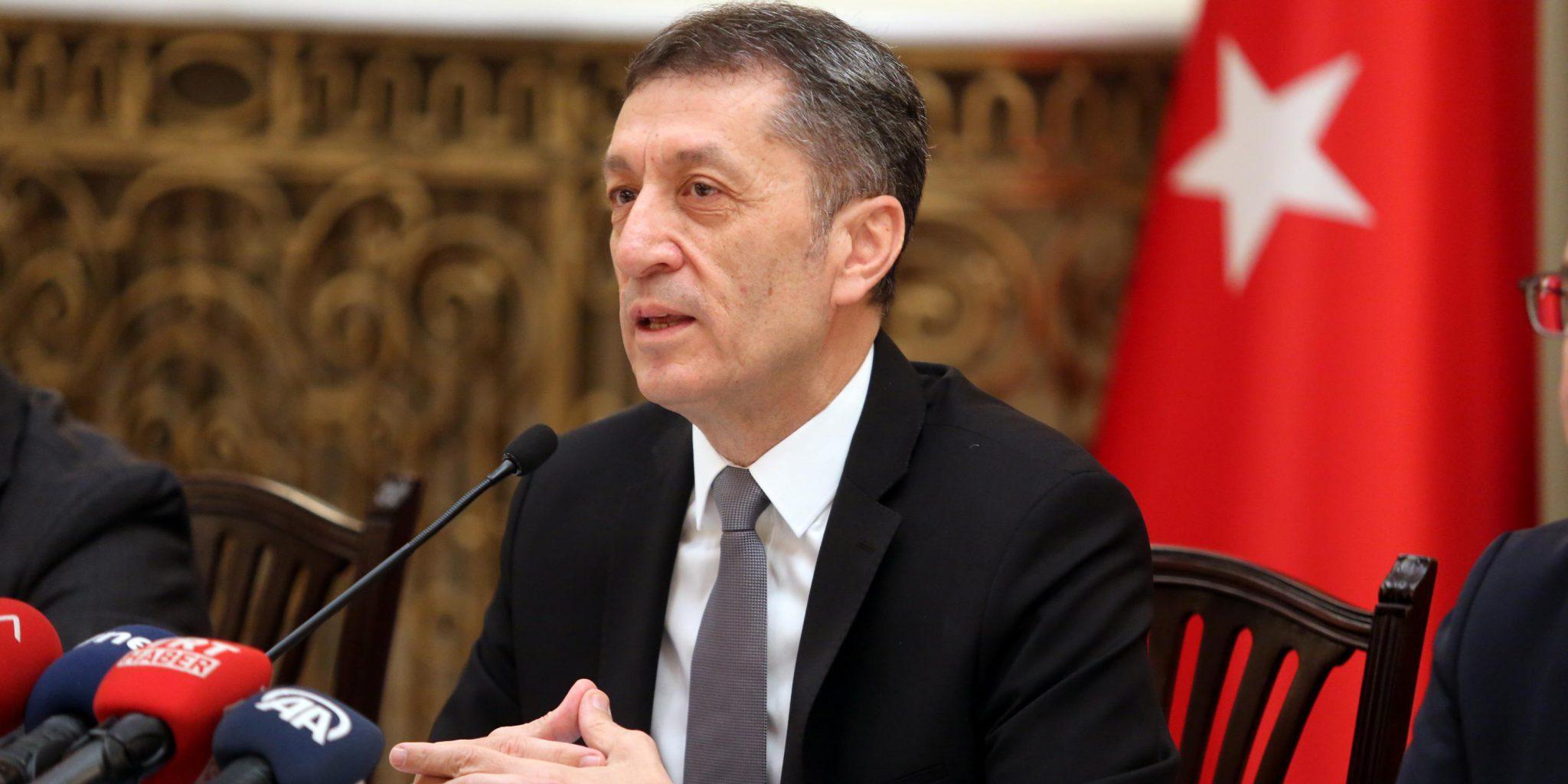 Milli Eğitim Bakanı Ziya Selçuk 24 Kasım Öğretmenler Günü için bir mesaj yayımladı.