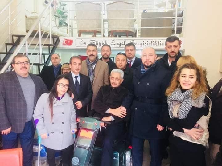 Milliyetçi Hareket Partisi Kırıkkale Belediye Başkan adayı Serdar Yarar ve MHP İl Başkanı Erdal Baloğlu Kırıkkale Tüm Engelliler ve Engelsiz Yaşamı Destekleme Derneğini ziyaret etti.