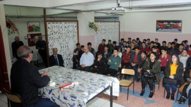 """Kırıkkale'de, """"Görmem İçin Sen Varsın"""" projesiyle, Beşir Atalay Anadolu İmam Hatip Lisesi'nde öğrencilere seminer verildi."""