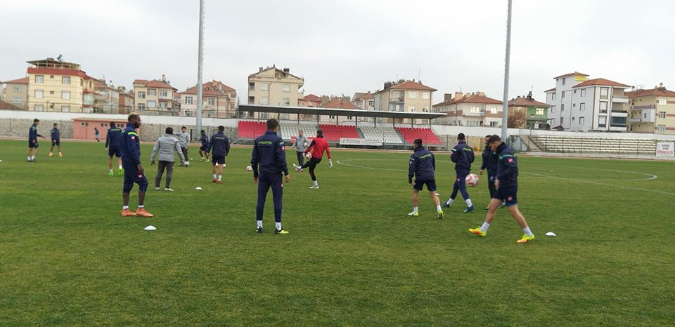 Bölgesel amatör lig, 6. Grubun lideri Kırıkkale Büyük Anadoluspor, bugün 6. sırada bulunan Karaman Belediyespor'a misafir olacak.