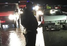 Kırıkkale'de, yağmur nedeniyle kayganlaşan yolda kontrolden çıkan 3 otomobilin çarpışması sonucu 5 kişi yaralandı.