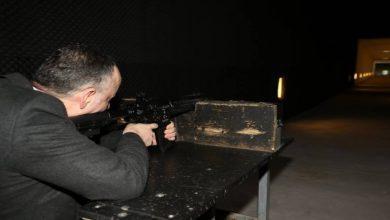Kırıkkale Belediye Başkanı Mehmet Saygılı, Makine Kimya Endüstrisi (MKE) Silah Fabrikasını ziyaret etti ve MPT-76 tüfeğiyle atış yaptı.