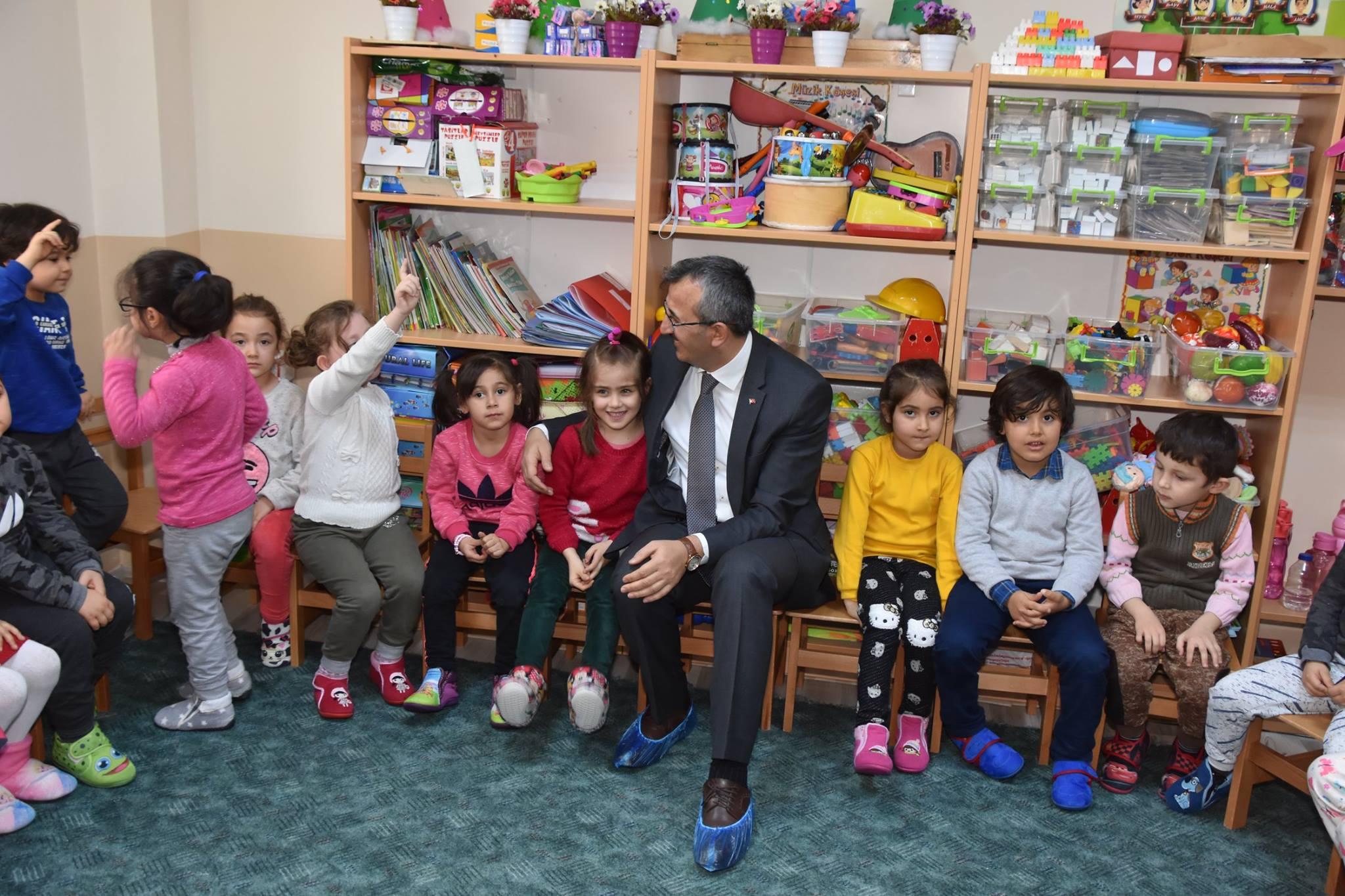 Çocuklarımız ülkemizin ortak umudu ve geleceğidir - Çocuklarımız ülkemizin ortak umudu ve geleceğidir