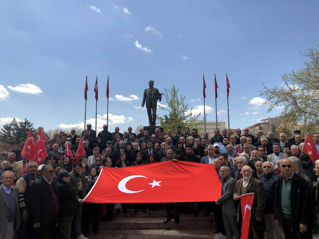 Bu hain saldırı 'birlik ve beraberliğimize yapıldı' 4 - Bu hain saldırı; 'birlik ve beraberliğimize yapıldı'