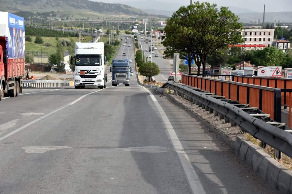 Bağdat köprüsü ulaşıma açıldı 1 - Bağdat köprüsü ulaşıma açıldı