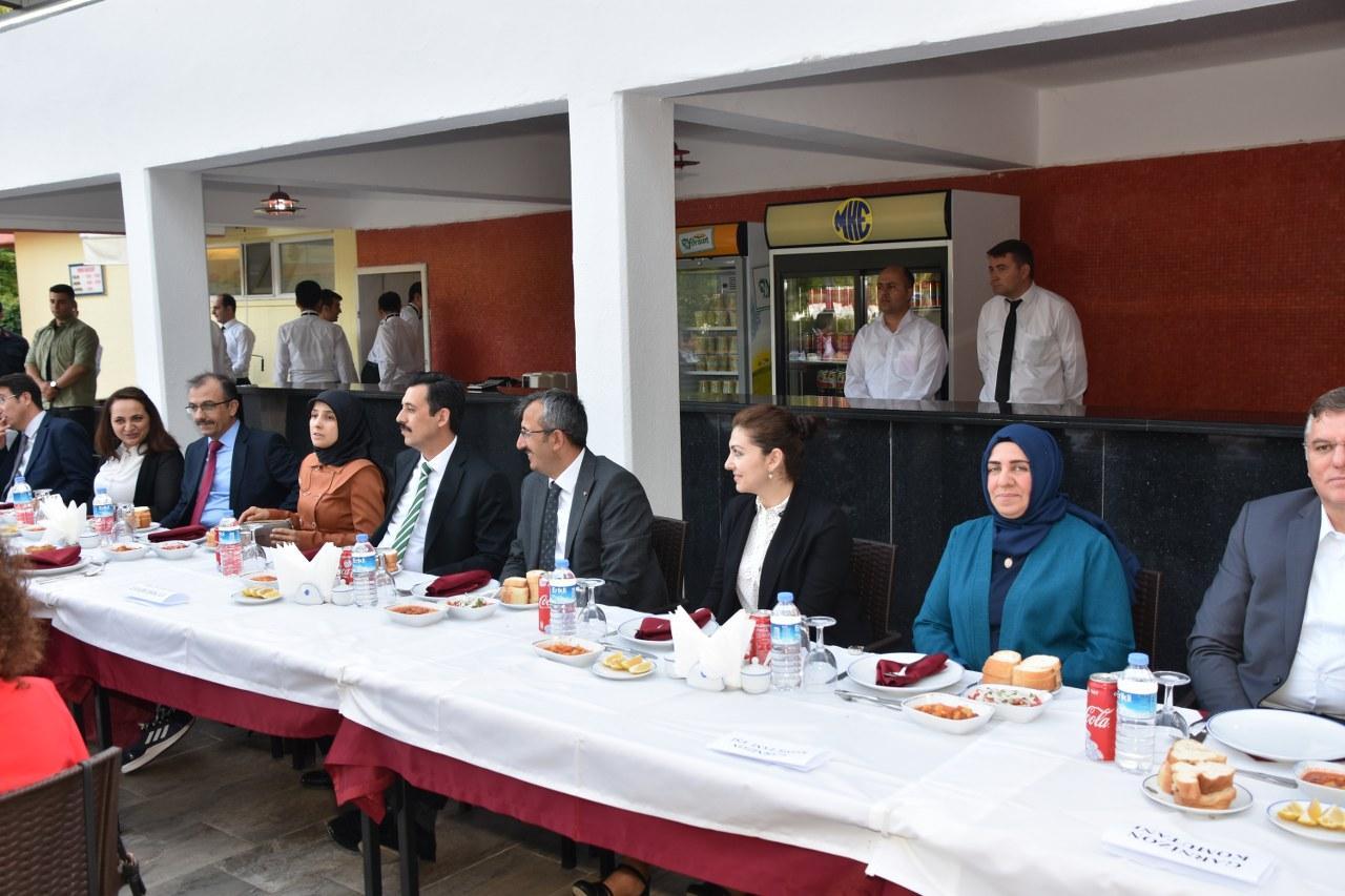 Hakim ve savcılar için veda yemeği 5 - Hakim ve savcılar için veda yemeği