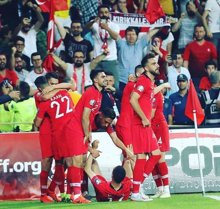 Milli Takım maçında Kırıkkalespor sevgisi - Milli Takım maçında Kırıkkalespor sevgisi