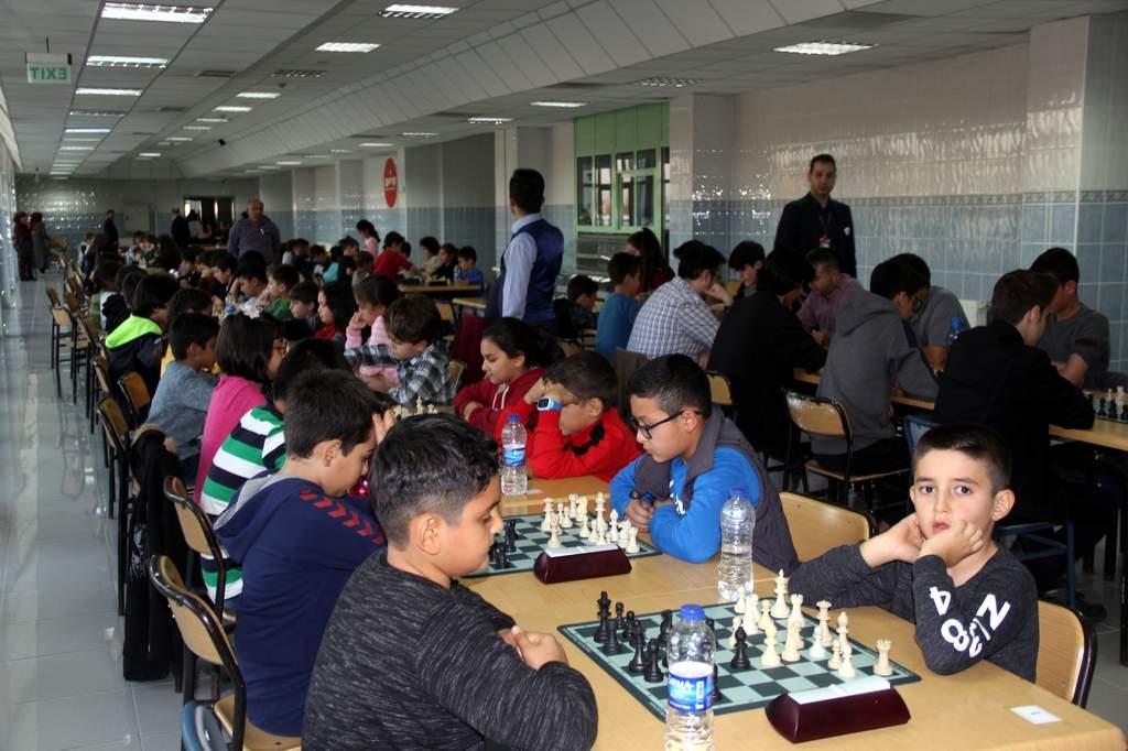 10 Kasım Atatürk'ü anma satranç turnuvası 2 - 10 Kasım Atatürk'ü anma satranç turnuvası