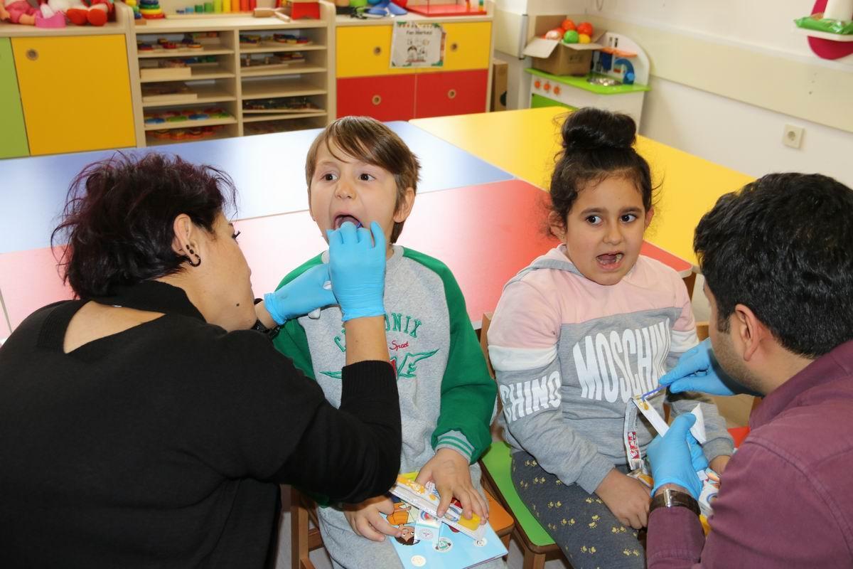 11 bin 1.sınıf öğrencisine ağız diş sağlığı taraması yapıldı 1 - 11 bin 1.sınıf öğrencisine ağız diş sağlığı taraması yapıldı