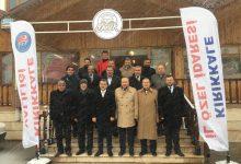 Photo of Grup toplantısını Dinek Yöresel Ürünler tesislerinde yaptılar