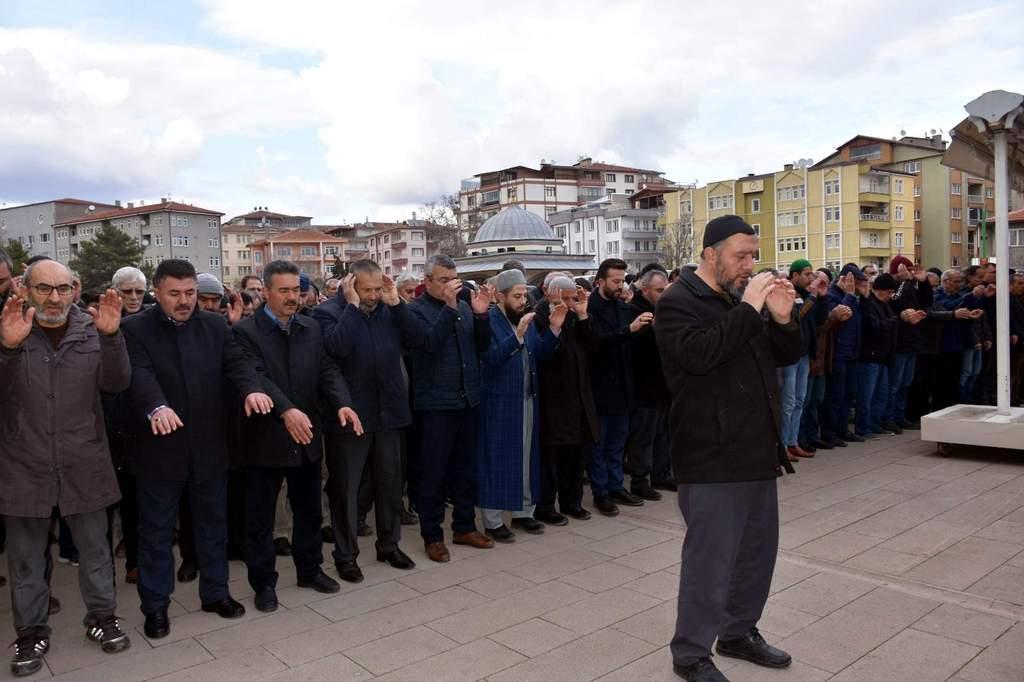 İdlib Şehitleri İçin Gıyabi Cenaze Namazı