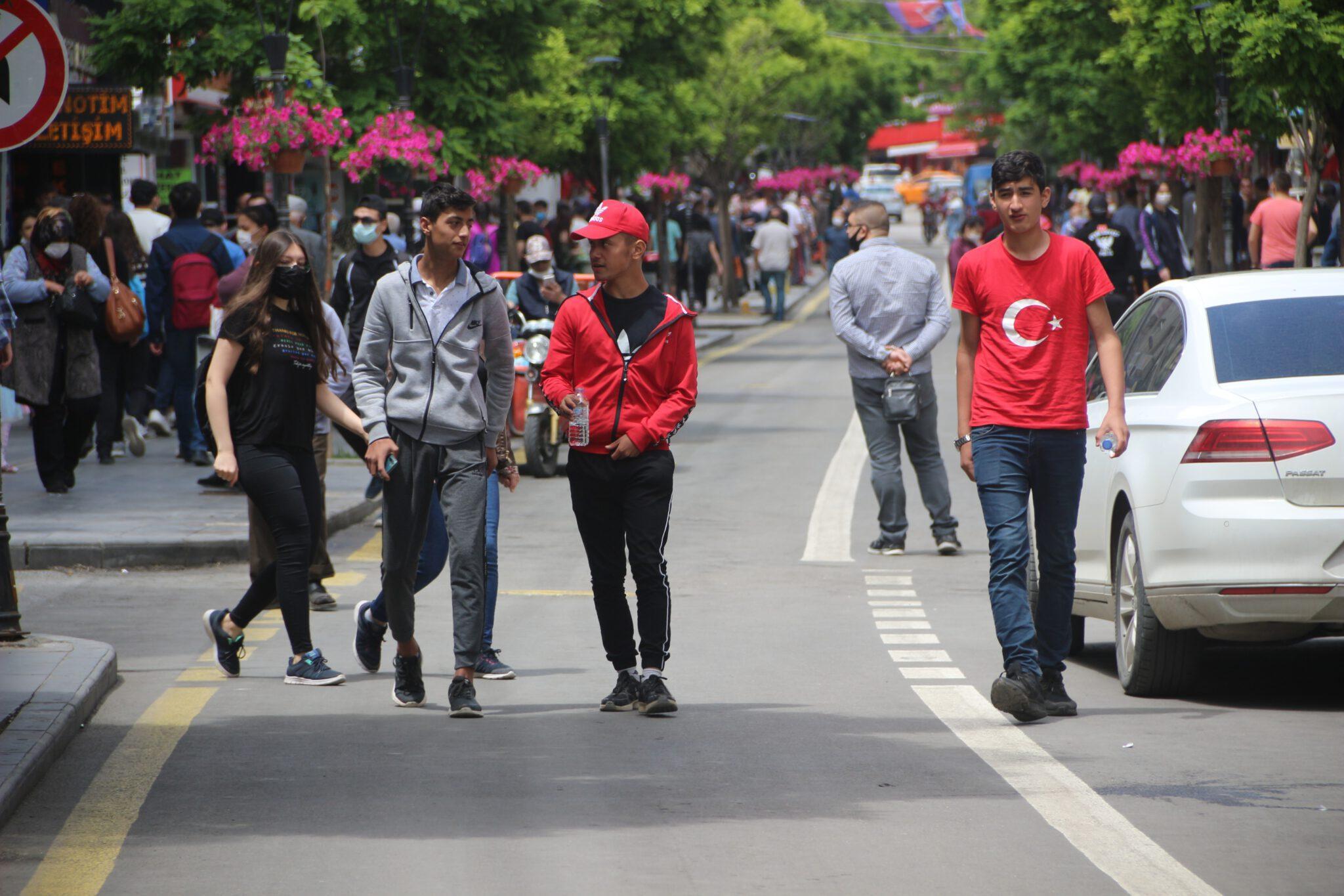 Kırıkkale Sokağa çıkma scaled - Gençler üçüncü kez sokağa çıktı