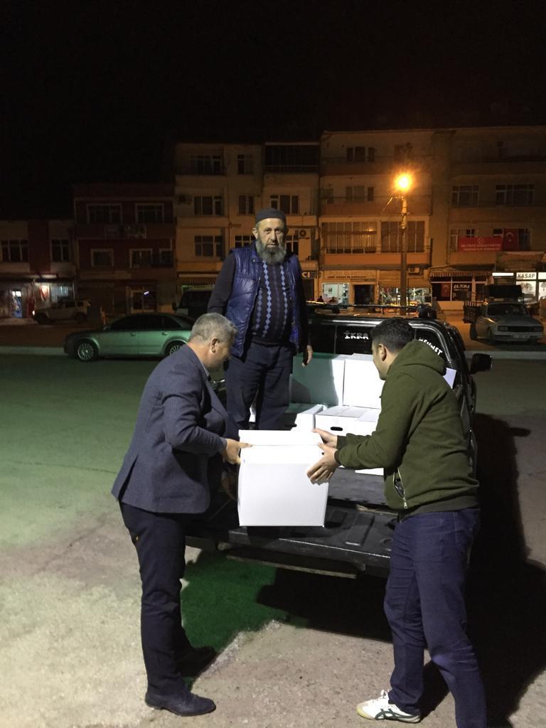 AK Parti Yahşihan İlçe Teşkilatı İhtiyaç Sahiplerine Ulaşıyor