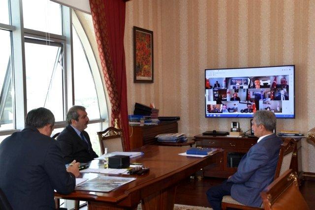 vali sezer kirikkale il degerlendirme toplant 13224400 o - Vali Sezer, Kırıkkale İl Değerlendirme Toplantısı'na katıldı