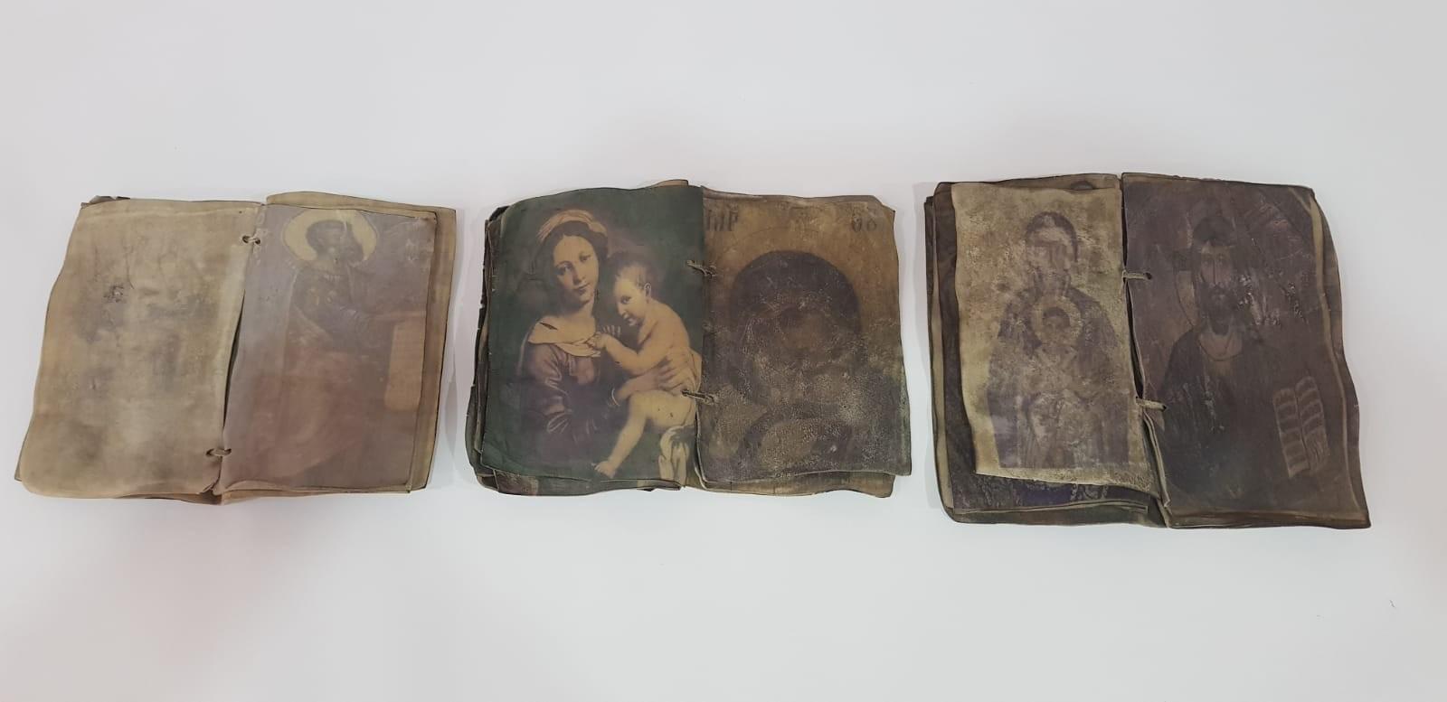 Kırıkkalede ceylan derisi üzerine yazılmış tarihi dua kitapları ele geçirildi - Kırıkkale'de ceylan derisi üzerine yazılmış tarihi dua kitapları ele geçirildi