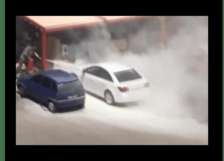park halinceki araç yandı - Kırıkkale'de park halindeki otomobilde yangın