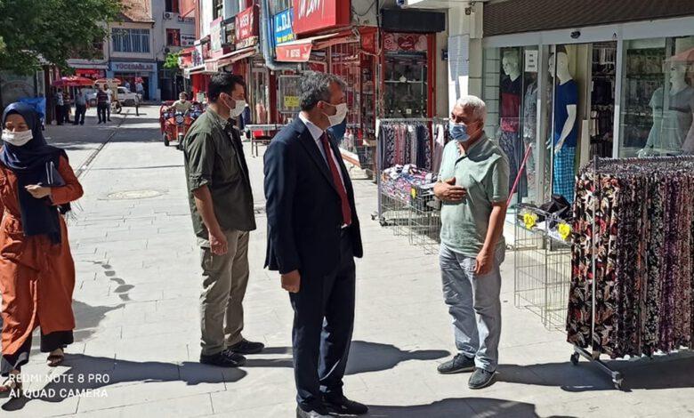 Photo of Validen 'maske' denetimi: Esnaf ve vatandaşları tek tek uyardı