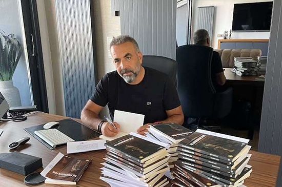 İş İnsanı Orhan Kılıç, 71 öğrenciye kalem ve kitap gönderdi